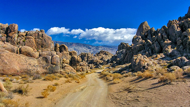 Driving into the Alabama Hills