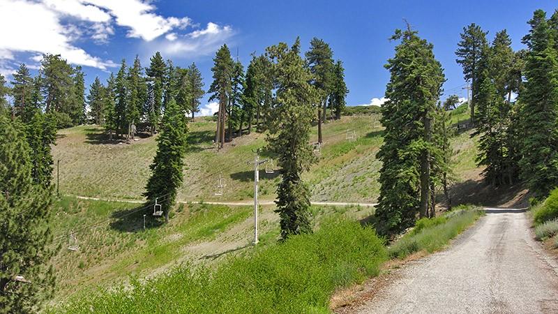 Start of the road runs along Blue Ridge